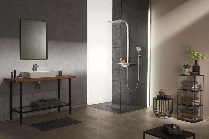Das Duschsystem erhöht Bedienkomfort und Duschgenuss durch Reduktion auf das Wesentliche. Cockpit Discovery | Kludi